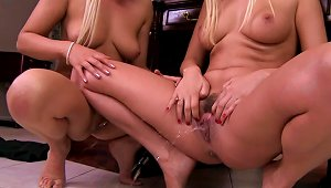 Two Stunning Blondes Alexandra Cat And Antynia Rouge
