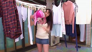 Delivery Guy Fucks The Amazing Big Tits Of Aika Yumeno