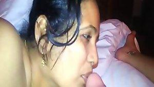 Super Hot Indian Maid Blowjob & Nude Show