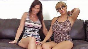 Pussylicking Alyssa Lynn In Lesbo Webcamshow Free Porn